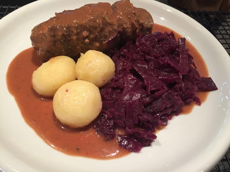 Rinderroulade mit Rotkohl und Kartoffelknödel Rezept Foto Bärbel Lehrke